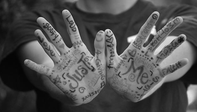 hands_bn